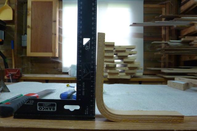 Simple étagère avec équerre en lamellé-collé cintrée 2zoque10