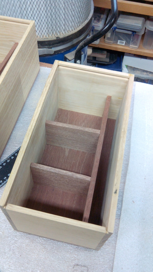 Boîtes en robinier 33sep11