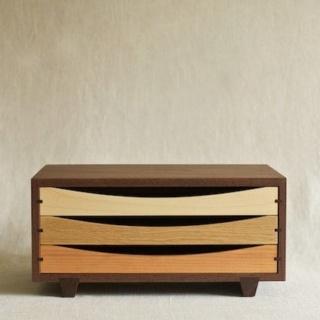 Une boîte à tiroirs en robinier et makoré - Page 2 D0f33a10