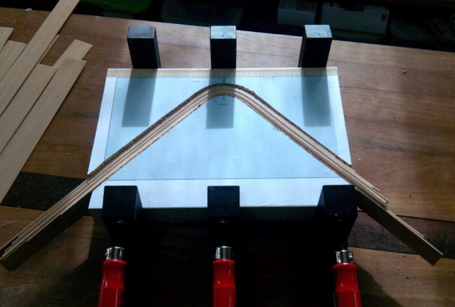 Simple étagère avec équerre en lamellé-collé cintrée Img_2012