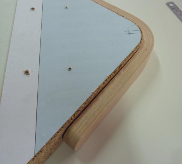 Simple étagère avec équerre en lamellé-collé cintrée P1110110