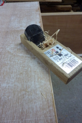 Simple étagère avec équerre en lamellé-collé cintrée - Page 2 P1110512