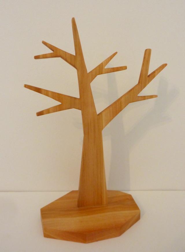 Un arbre à bijoux en tripli cerisier P1110811