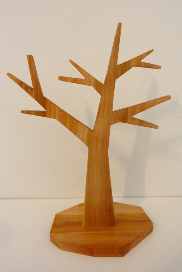 Un arbre à bijoux en tripli cerisier P1110812