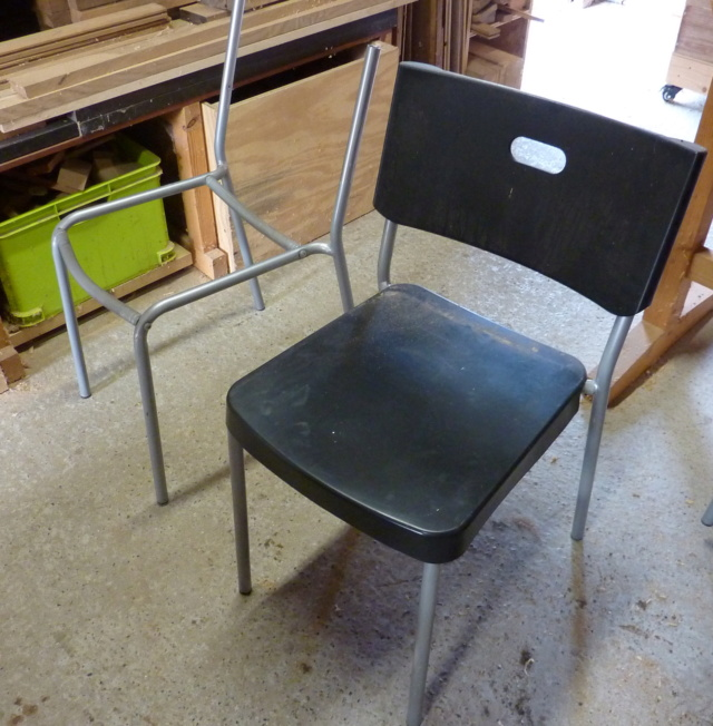 Des chaises suédoises à réviser P1120813