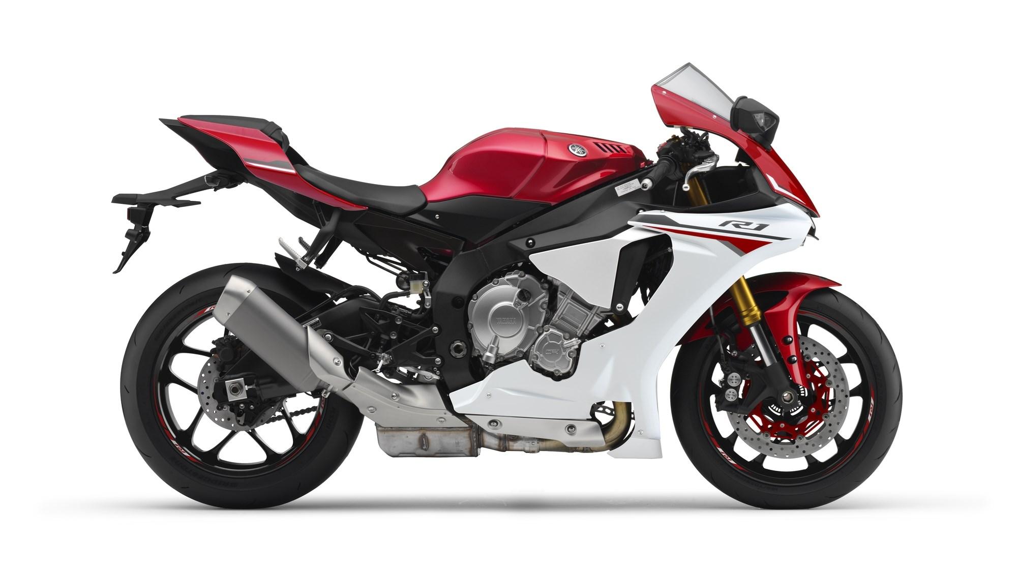 Nouvelle R1 2015-y10