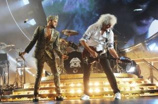 Adam Lambert News : 8th November 2014 : VH1 Interviews  New Album News Adam-l11
