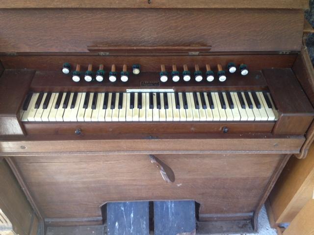donne harmonium et piano Photo410