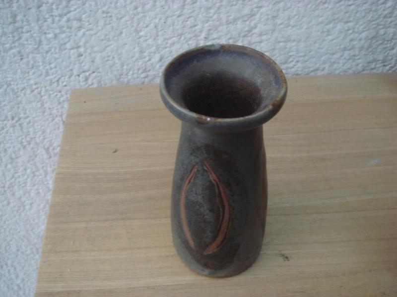 Small vase marked BG...any ideas ...your advice please Copied11