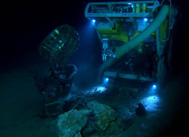 Les moteurs F-1 d'Apollo 11 ont été repêchés Capt_h10