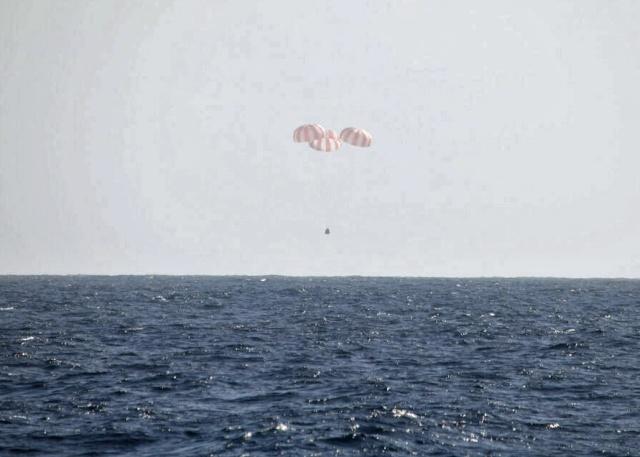 USA - 26 mars 2013 - Retour sur Terre de Dragon CRS-2 / SpaceX Dragon10