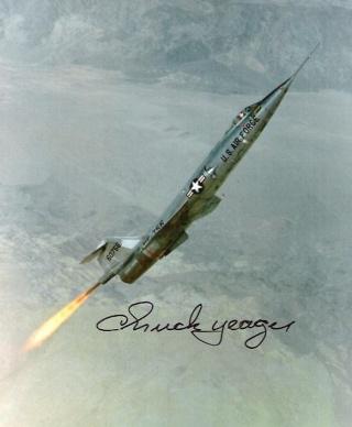 Chuck Yeager fête ses 90 puis ses 95 ans ! F-104_10