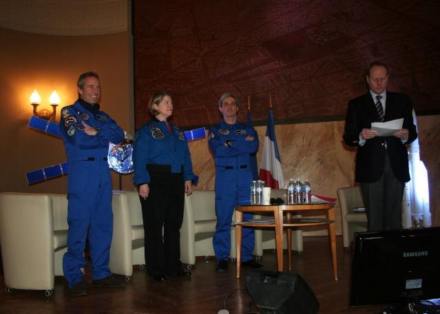 23 février 2013 : Conférence avec Pamela Melroy, Jean-François Clervoy, Leopold Eyharts et Pierre-Emmanuel Paulis Img_2710