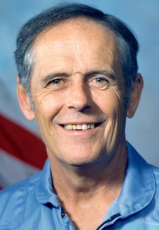 Disparition de Robert W. Phillips (1929 - 2013) / Doublure Payload Specialist STS-40 Philli10