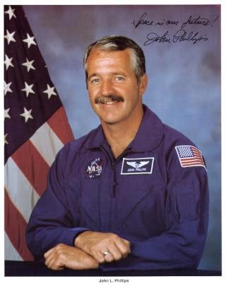 15 avril - Un jour particulier pour l'astronaute John Phillips Philli11