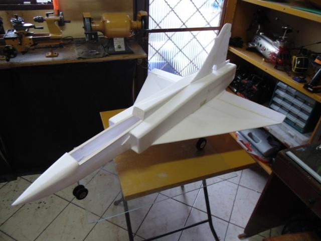 Jato Mirrage 2000 EDF 90mm 6S. (Construtor Elcio). 710