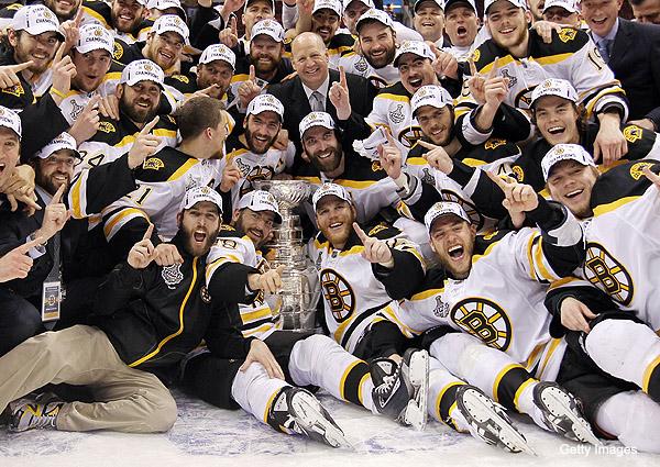 Selon vous, les Bruins de Boston (LNHVS) ont-il l'équipe pour refaire le coup cette année? Champion de la LNHVS!!! Bruins10