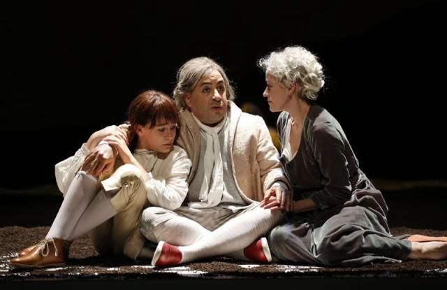 """Pièce de théâtre """"Marie-Antoinette"""" à New-York Lflibj10"""