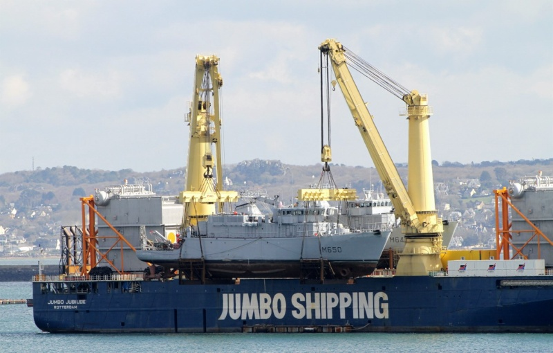 [Les ports militaires de métropole] Port de BREST - Page 2 Jumbo_15