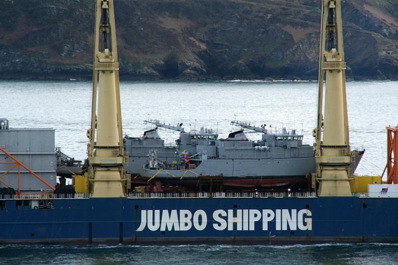 [Les ports militaires de métropole] Port de BREST - Page 2 Jumbo_18