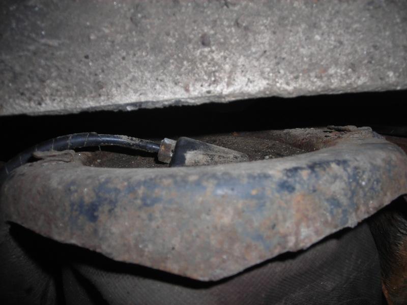 Changement boudin AR et capteur de hauteur sur discovery TD5 Dscn4314
