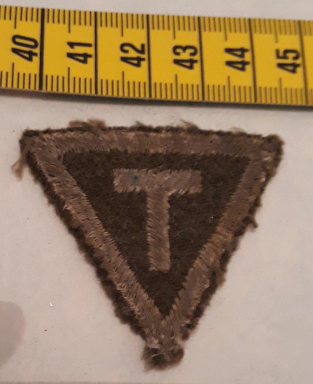 insigne tissu T à identifier  20200487