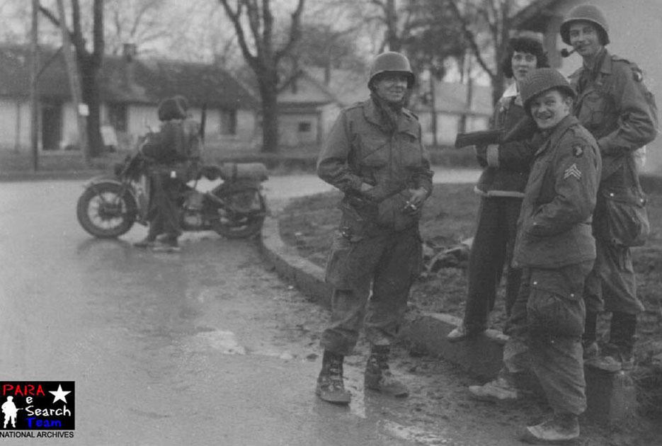 Besoin d'un avis pour trancher sur les insignes US Bastog10