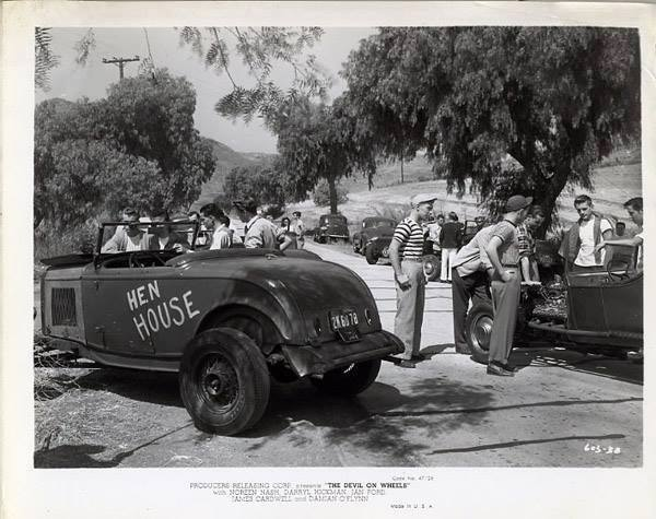 "Hot rod in street - Vintage pics - ""Photos rétros"" -  - Page 3 10409110"