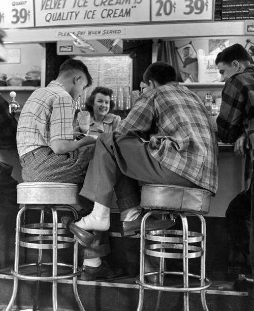 Vintage teenagers pics - Page 2 11503510