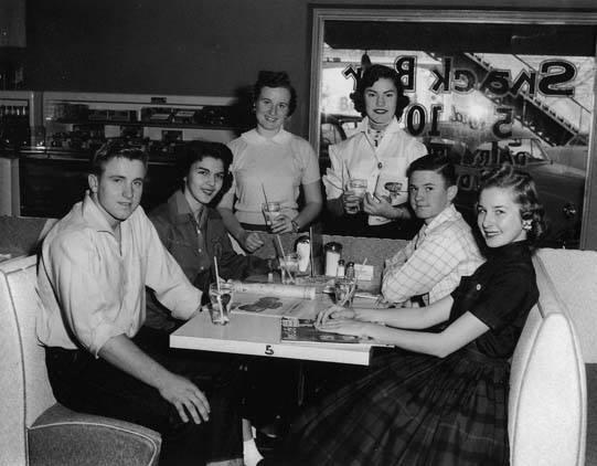 Vintage teenagers pics 13590_10