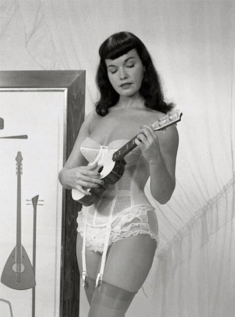 Betty Page 60521_10