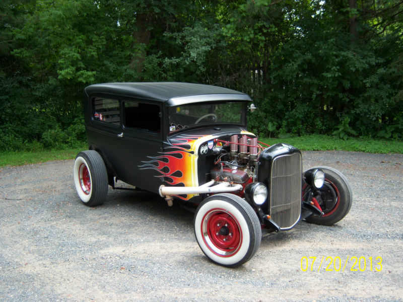 Ford 1931 Hot rod - Page 2 Kgrhqn33