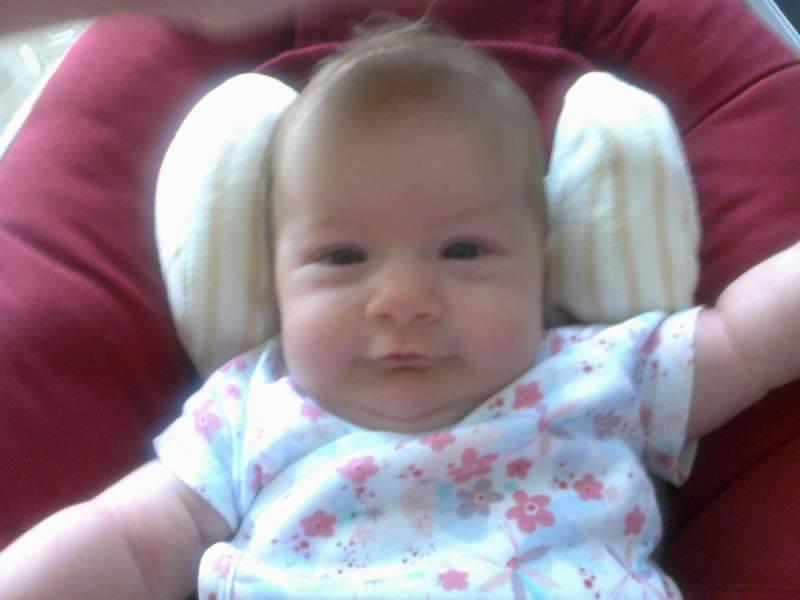 de retour avec bébé espoir née le 14 juillet 2013 à 36 semaines ma vie retrouve le soleil cacher par les larmes mon étoiles de vie me souris ( vivre la naissance d'un enfant est notre chance la plus accessible de saisir le sens du mot Miracle) 10032311