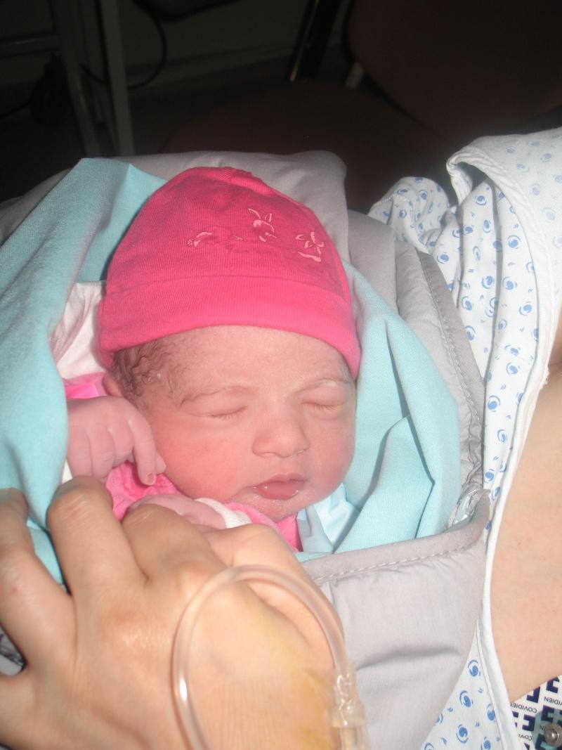 de retour avec bébé espoir née le 14 juillet 2013 à 36 semaines ma vie retrouve le soleil cacher par les larmes mon étoiles de vie me souris ( vivre la naissance d'un enfant est notre chance la plus accessible de saisir le sens du mot Miracle) Laana_24