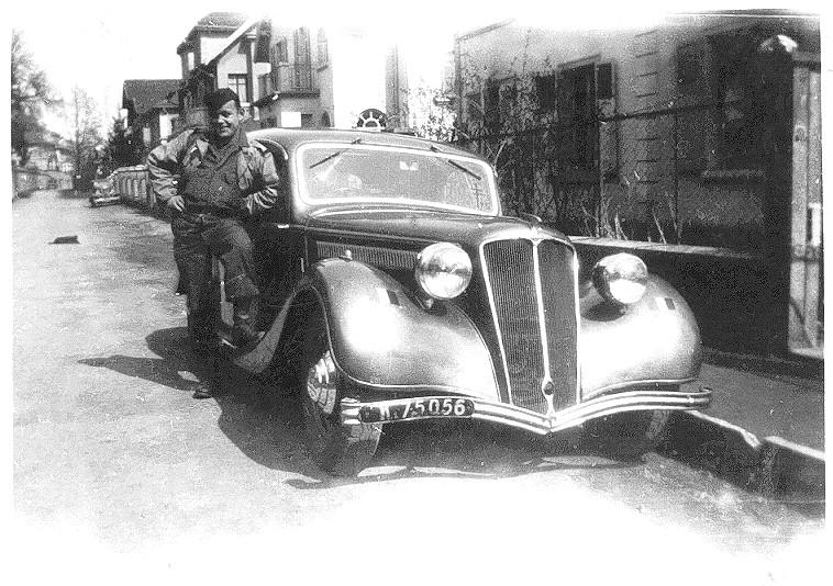 automobile en uniforme - Page 5 Leon_v10