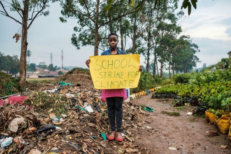 Le combat d'une jeune Ougandaise contre le changement climatique F2235310