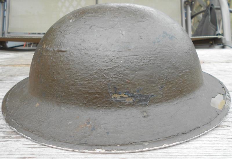 WW II Canadian Helmets - Page 2 01710