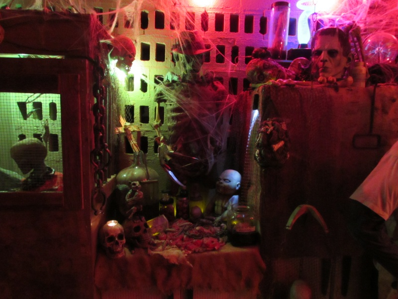 HALLOWEEN - The Chickenshack House of Horror - Page 5 75110