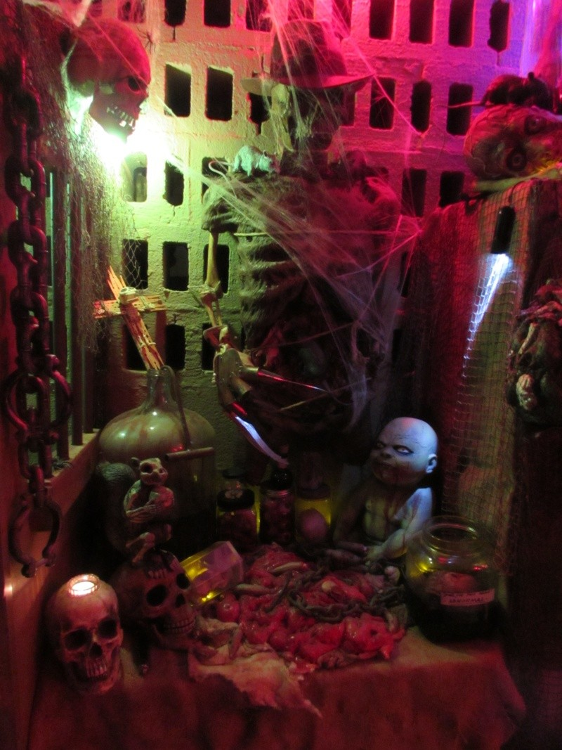 HALLOWEEN - The Chickenshack House of Horror - Page 5 75410