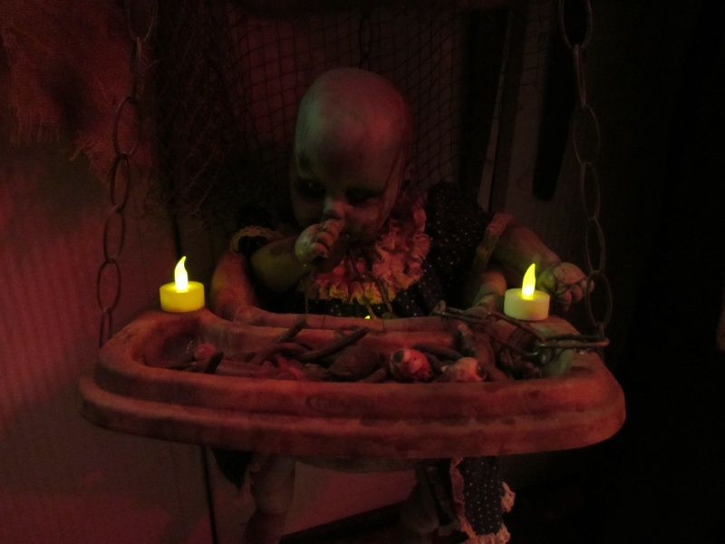 HALLOWEEN - The Chickenshack House of Horror - Page 5 75810