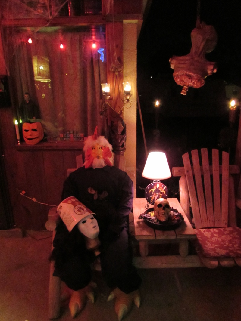 HALLOWEEN - The Chickenshack House of Horror - Page 5 77410