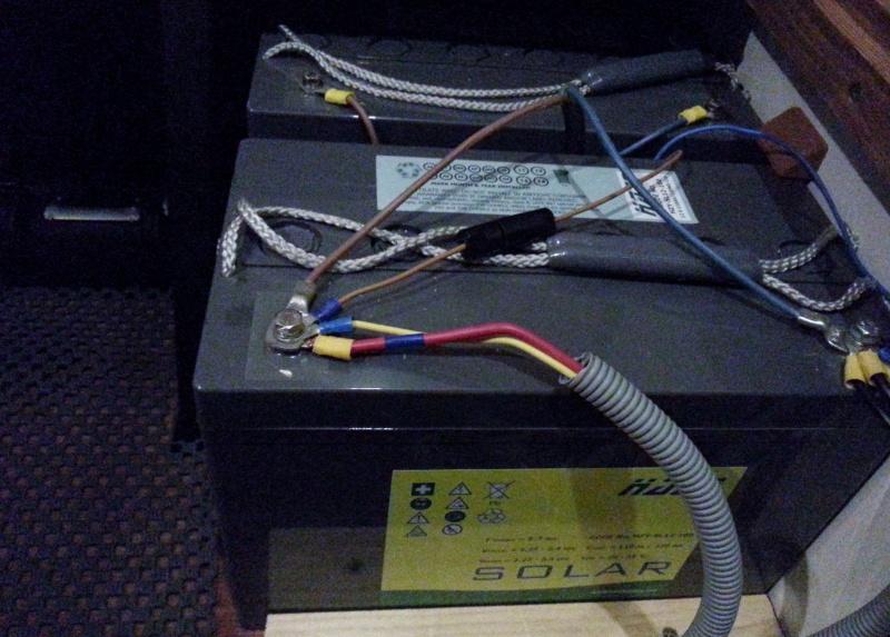 Changement batterie Gel par AGM sur Adria 2013 20141111
