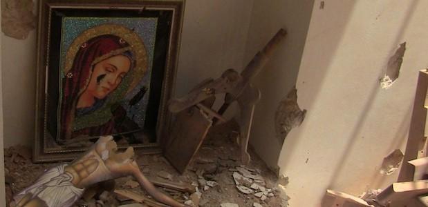 Quand des rebels syriens se déchaînent contre les Symboles catholiques ! Livele10