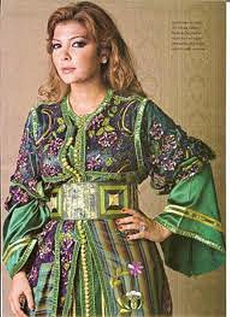 Plus fort que Chanel, Galliano et Gaultier, le caftan Marocain est adopté par le monde entier Caftan12