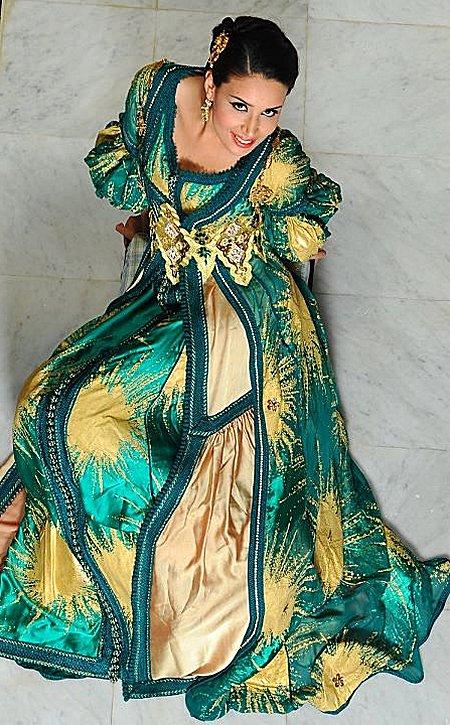 Plus fort que Chanel, Galliano et Gaultier, le caftan Marocain est adopté par le monde entier Caftan14