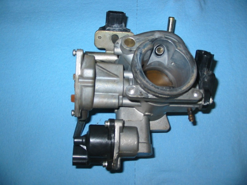 09 Throttle body, complete Img_1230