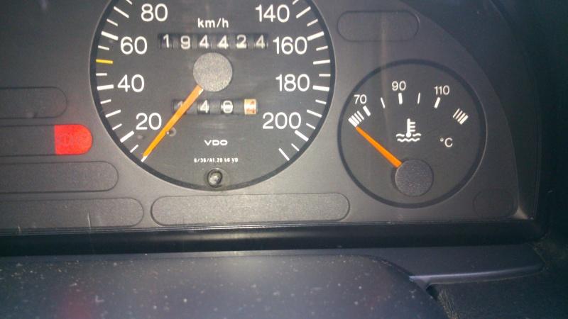 aiguille de température d'eau sur tableau de bord qui n'indique rien..  Dsc_0310