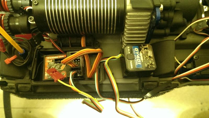 Ajout d'un Gyroscope sur l'E-Revo - Page 3 Imag0410