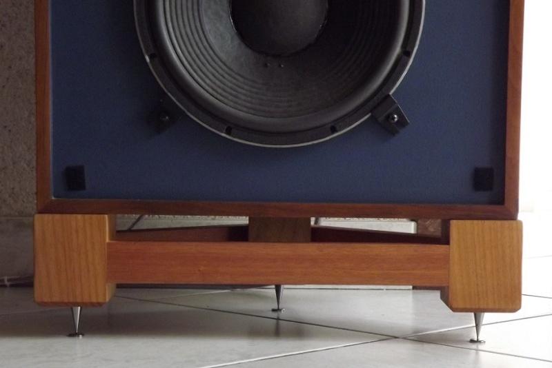 JBL monitor + tubes = Bonheur... Dscf1019