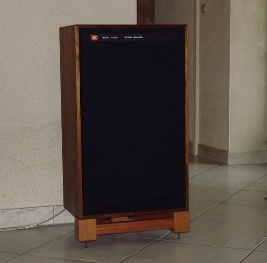 JBL monitor + tubes = Bonheur... Dscf1110